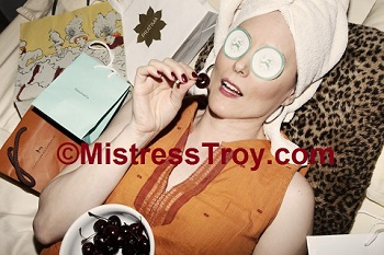 MISTRESS TROY Professional Dominatrix Manhattan NYC New York enjoys gifts from Her admirers, submissives and financial slaves
