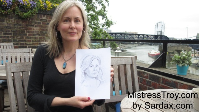 Mistress Troy holding sketch by Sardax, London, May 2017